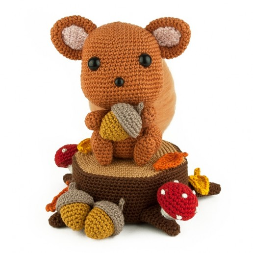 Crochet pattern - Squirrel - Amigurumi