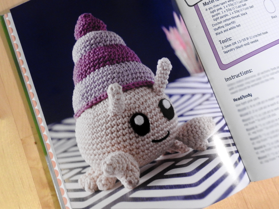 Maxwell Monster Crochet Amigurumi Pattern – Shiny Happy World | 692x922