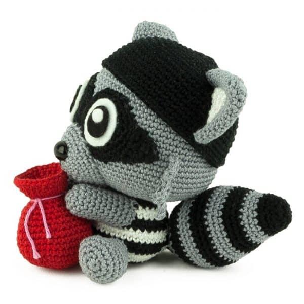 Crochet pattern Love Bandit - Amigurumi