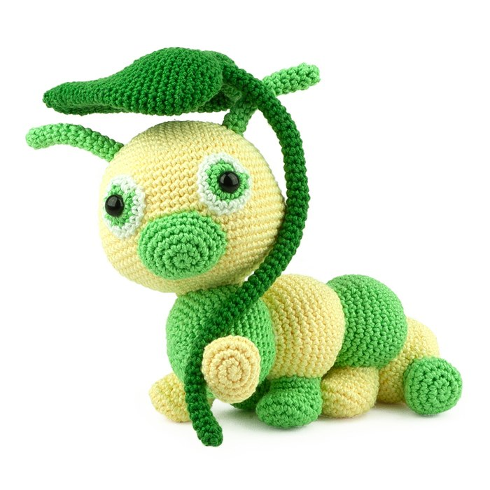 crochet-pattern-carol-the-caterpillar-amigurumi
